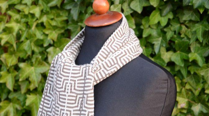 Opskrift på tørklæde i Tuck Jacquard